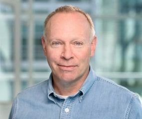 Headshot photo of David Schellhase