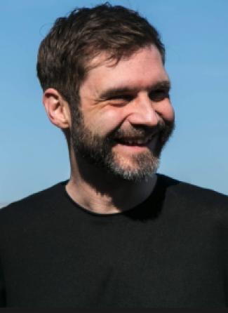 Headshot of Dennis Winter