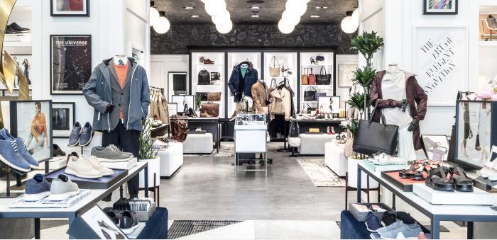 """""""O interior de uma loja da Cole Haan."""""""
