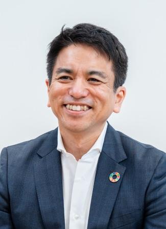 Headshot of Keiichi Makizono