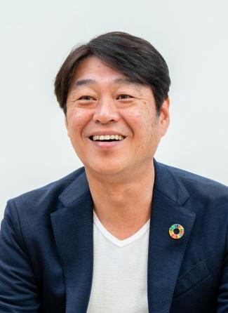 Headshot of Kunihiro Fujinaga